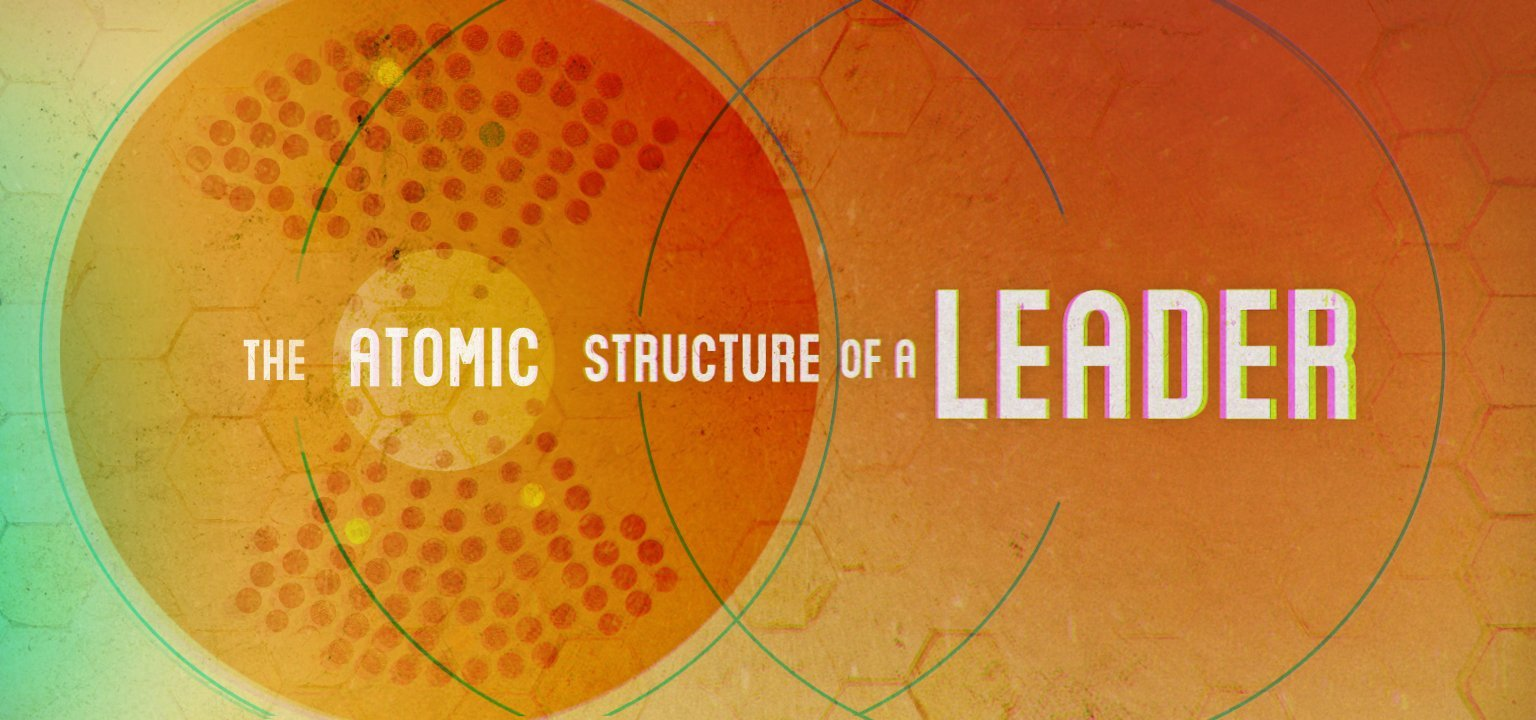 The Atomic Structure of a Leader
